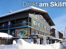 Golf & Alpin Wellness Resort Hotel Ludwig Royal, hotel in Oberstaufen