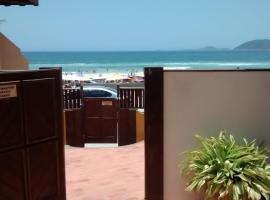 Apart Hotel Praia do Pero, hotel in Cabo Frio