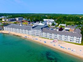 Hamilton Inn Select Beachfront, motel in Mackinaw City