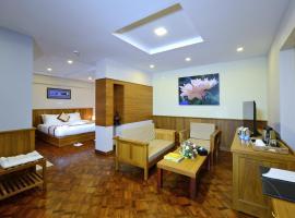 Hotel H Valley Yangon, hotel in Yangon