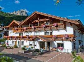 Residence Villa Gran Baita, apartment in Selva di Val Gardena