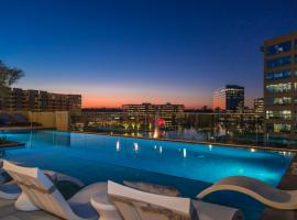 Embassy Suites by Hilton The Woodlands, hotel in The Woodlands