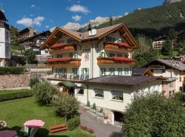 Hotel L'Ideale, hotel a Moena