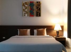 Green House Phuket, hotel near Two Heroines Monument, Ban Pa Khlok