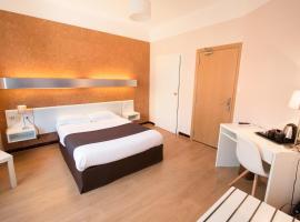 Hôtel Mondial, hôtel à Perpignan près de: Aéroport de Perpignan - Rivesaltes - PGF