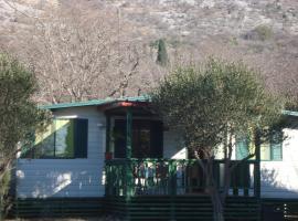 Mobile Homes Vila Punta, hotel in Šibuljina