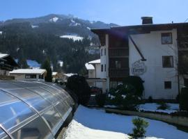 Sportpension Therese, Bed & Breakfast in Westendorf