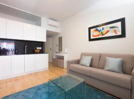 Home At Porto - Aliados Apartments, hotel near Trindade Metro Station, Porto