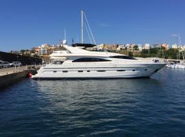 Motor Yacht Dandy, hotel in Barcelona