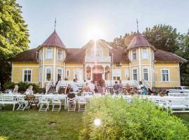 STF Villa Söderåsen B&B, hotel near Soderasens National Park – Southern Entrance, Röstånga