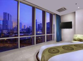 The Grove Suites, hotel near Ambassador Mall, Jakarta