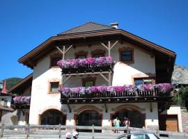Apartments Elise, apartment in Selva di Val Gardena