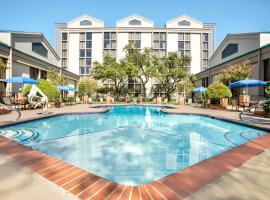 DoubleTree by Hilton DFW Airport North, hôtel à Irving près de: Aéroport international de Dallas-Fort Worth - DFW
