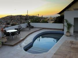 Pousada Xerxes, guest house in Arraial do Cabo