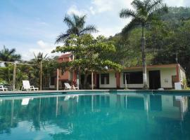 Paraiso Inn, hotel in Satipo