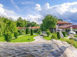 Yaev Hotel, hotel Karlovóban