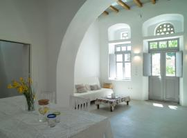 Tutti Blu Tinos Living Space, hotel near Livada Beach, Mési