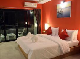 At Home Khaolak, отель в городе Кхаулак