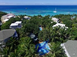 Paradise Beach Hotel, hotel in West Bay