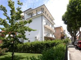 Hotel Ardesia, hotel in zona Stazione Ferroviaria di Rimini, Rimini