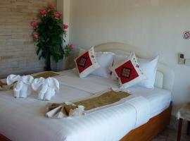 Houayxai Riverside Hotel (Phonevichit Guesthouse), hotel in Ban Houayxay