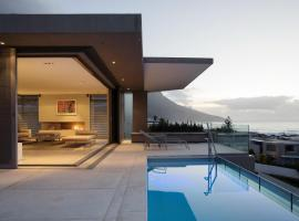 Blue Views Villas and Apartments, villa in Cape Town