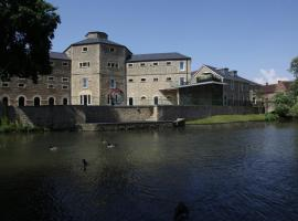 Old Gaol Serviced Apartments, hotel in Abingdon