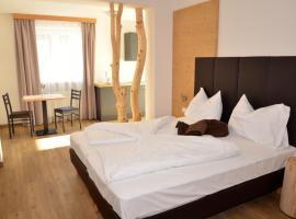 Pension Dolomiten, hôtel à Egna
