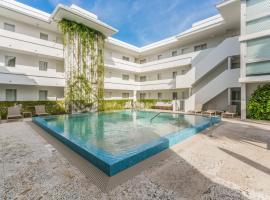 Beach Haus Key Biscayne Contemporary Apartments, hotel near Crandon Marina, Miami