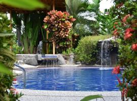 Hotel Roca Negra Del Arenal, hotel cerca de Sky Adventures Arenal, Fortuna