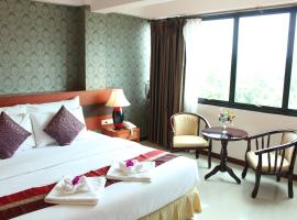 Sirima Thani Hotel โรงแรมในBan Hua Fai