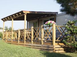 Mobile Homes Relax Park Umag, hotel with pools in Umag