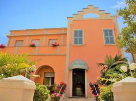 Hotel Blumen, hotel in Pesaro
