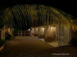 Easy Stay Residence, guest house in Trou aux Biches