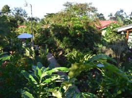 Hotel Roca Negra Del Arenal, hotel cerca de Ecoglide Arenal Park, Fortuna