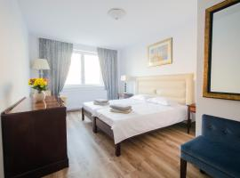 Hotel EKA, hotel in Sebeş