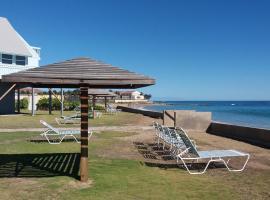 Sealofts On The Beach, hotel in Frigate Bay