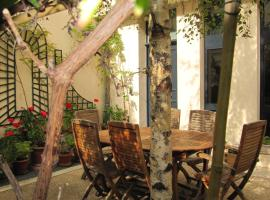 Le petit Gobert, homestay in Paris
