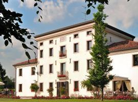 Hotel Villa Dei Carpini, hotell i Oderzo