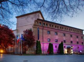 Hotel Monumento Almenara de Copau, hotel in Zaragoza