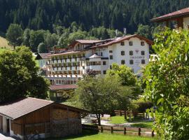 Landhotel Tirolerhof, hotel in Oberau