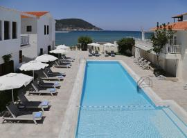 Skopelos Village Hotel, отель в Скопелосе