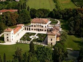 Hotel Villa Giona, hotel in zona Ponte di Castelvecchio, San Pietro in Cariano