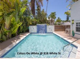 Colors on White, apartment in Key West