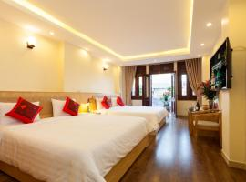 Queen Light Hotel, family hotel in Hanoi