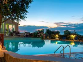 Samothraki Village Hotel, hotel in Palaiopoli