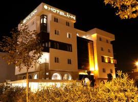 Hotel A44, hotel en Tetuán