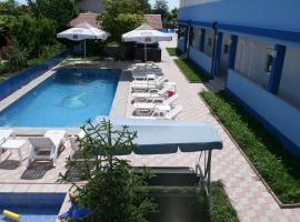 Blue Lagoon, hotel din Costineşti