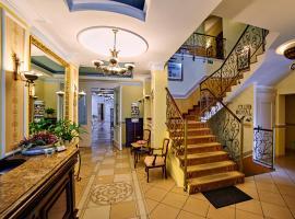 Villa Royal, hotel with jacuzzis in Ostrów Wielkopolski