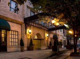 Embassy Suites by Hilton Bogotá - Rosales, hotel in Bogotá